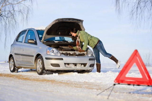 Servicii de tractare, transport sau depozitare auto